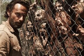 The Walking Dead invading