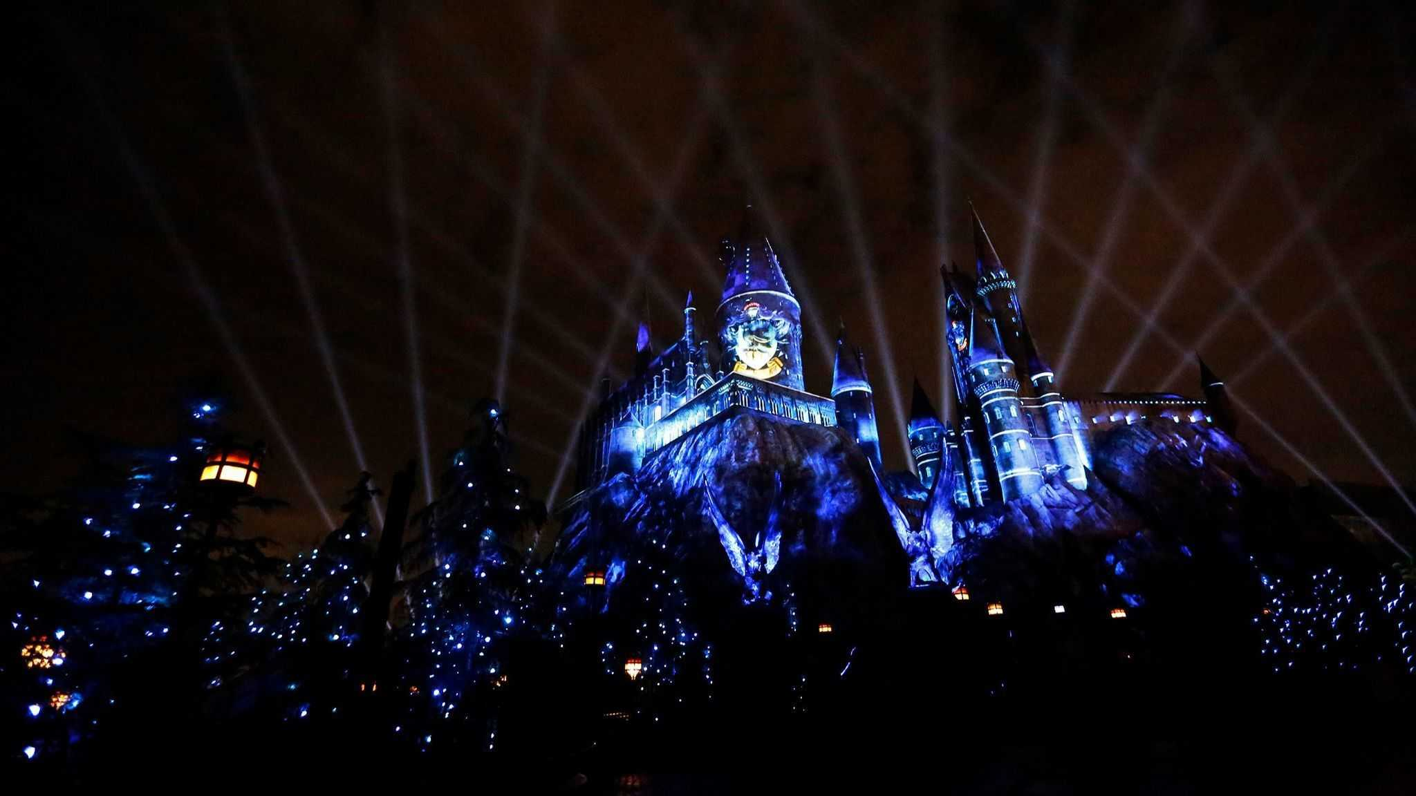 Hogwarts Castle Nighttime Projection Show Debuting This Summer