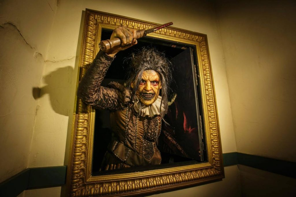 American Horror Story: Roanoke at Universal Studios's Halloween Horror Nights 2017